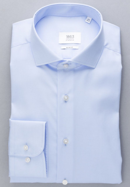 Chemise Eterna SLIM FIT TWILL bleu clair avec col Italien en coupe moderne