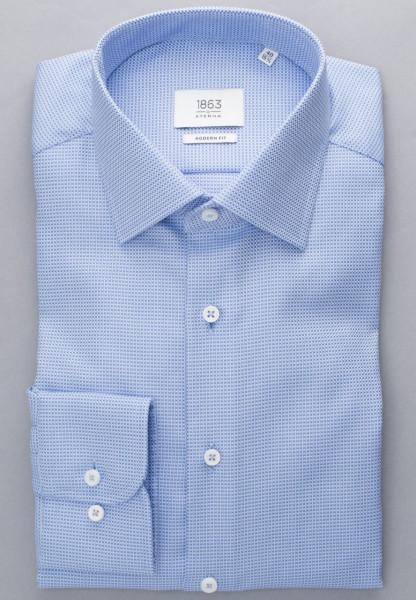 Chemise Eterna MODERN FIT STRUCTURE bleu clair avec col Classic Kent en coupe moderne